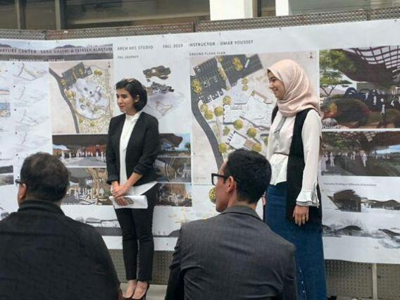 MS Architecture students presenting