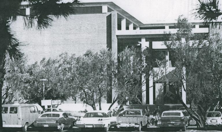 A black and white archival photo of the college of architecture in 1972