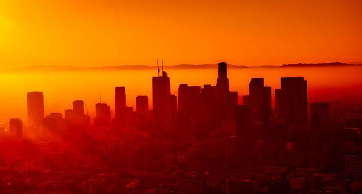 Heat and smog in Los Angeles